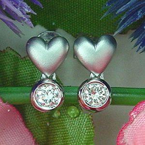 愛情靈藥-鑽石耳環