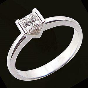 堅定之情-花式切割鑽石